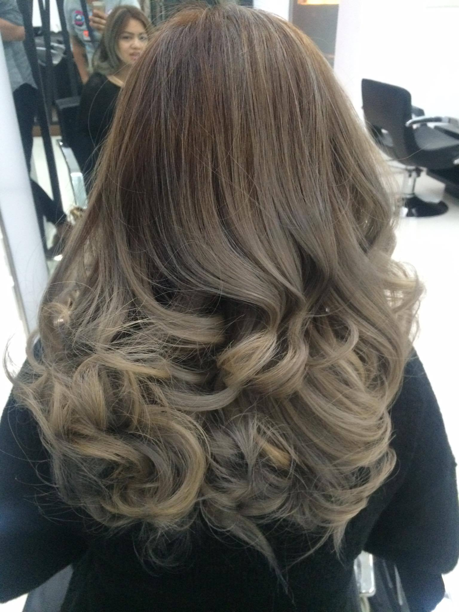Natural Light Brown Highlights
